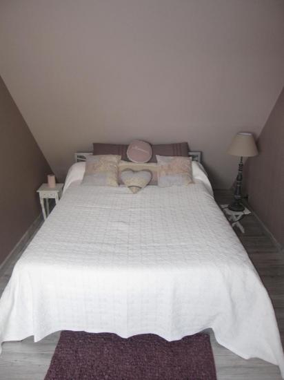 Chambre beige rosé